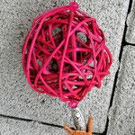 Weihnachtsdeko Weihnachts Advents Girlande mit pinken Rattankugeln, Eichelhütchen, Bucheneckern, rosa & pinken Acrylperlen, silbernen Acrylperlen