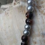 Kinder Perlenhalskette Precious Girl mit 6mm weissen Glanzperlen und dunkelbraunen Glasperlen, Schneckenperlen aus Acryl altrose, Achatperlen Anhänger altrosa