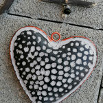 Schwemmholz Treibholz Girlande Windspiel Fensterdeko Türdeko Black Heart mit silbernen Acrylperlen, grauen und durchsichtigschwarzen Glasperlen, schwarzen Acrylperlen Metallherz mit grauen Flecken