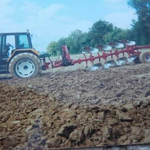 Renault Traktor mit Pflug