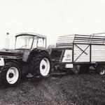 IHC 1246 mit Krone Ladewagen
