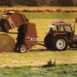 Fiatagri 80-90 mit Hesston Presse Werksfoto