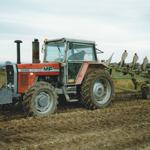 Massey Ferguson Traktor 2725