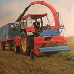 Schlüter Traktor mit Mengele Häcksler