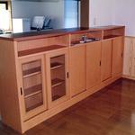 キッチン・ダイニング間収納棚