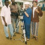 """Yolande Josèphe en plein tournage de son film """"Nokoué-Grandlieu, les lacs frères"""" en 1999"""
