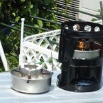 KMストーブ。マルチ燃料ストーブはサラダオイルも薪も燃やせます。