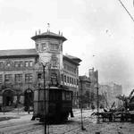 1941 Correos desde el Paseo Pereda tras el incendio. A la derecha, lo que quedó de La Ribera