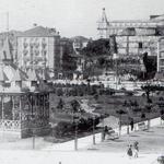 1905 Vista general de la zona de los Jardines de Pereda. Al fondo, Avenida de Alfonso XIII. Nótese el hueco donde estaba el Castillo de San Felipe (aún no se ha construido el Salón Pradera)
