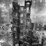 1941 Ruinas de la Calle Lealtad desde lo alto del Coliseum. En primer plano, Rualasal. Al fondo, Edificio Ubierna