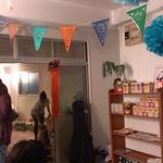 ヨガグッズやハーブティー、オーガニック食材などが買えるスタジオ内ショップです。