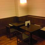 テーブル席、小上がりの座席を廃し、テーブル席に。