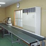 空調機 ベルトコンベア インクジェットプリンター(印字機)