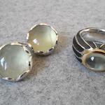Silberohrringe mit Prehnit, Silberring mit Gelbgoldfassung und Prehnit