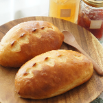 パン・オ・レ 水を使わずに牛乳のみで仕込むミルク風味のやさしい味のパン