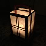 灯を点してみました。優しい光が癒してくれます。