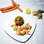 Gebratene Garnelen mit Karotten-Ingwer-Stampf