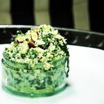 Spinatrisotto mit gerösteten Mandeln