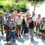 Gruppenfoto auf der Biber-Beobachtungsplattform