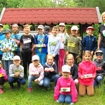 Die Klasse von Frau Bauer mit selbstgebastelten Namenschildern