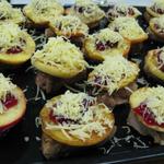 Schweinefilet mit Apfel und Käse