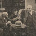 Józef Orwid Mieczysława Ćwiklinska Antoni Fertner w scenie z filmu Pan redaktor szaleje 1937