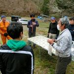 井本さんの説明を熱心に聞く参加者