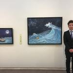 昭和会展にて受賞した「今夜は大漁!」と撮影