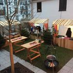 Weihnachtsmarkt mit rustikalen Standl in München