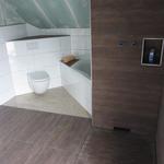 Wer die Duschwand selbst macht, dem kann ich nur empfehlen, eine Ablage für Duschutensilien gleich direkt mit einzubauen.