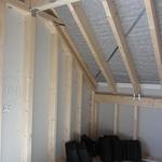 Von den eigentlichen Ziegeln ist nichts übrig geblieben, außer ein paar Ortgangziegel und die Dachdurchführungen für die Rohrbelüftung