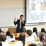 パラリンピアンのトレーニングについて話す倉田秀道氏