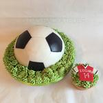 Fussballtorte mit Cupcake (Schokolade und Vanille)