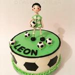 Fussballer-Torte (Schokoladenbiskuit und OREO-Buttercreme-Füllung)