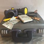 Detektiv-Torte (Schokoladenbiskuit und OREO-Buttercremefüllung)