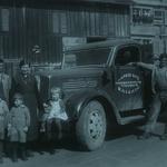 Alfred Ritz mit Familie, LKW und Knecht, ca. 1939