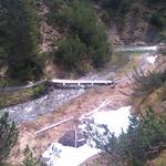 Abgetriebene Brücke bei Spullerbachweg zurück aufs Fundament befördern, mit U1600 und Seilwinde