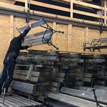 Bänke versorgen und aufräumen am Bauhof