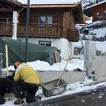Straßenlaterne in Stubenbach bei Baustelle wieder aufstellen und montieren