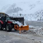 Bauhof Schneeräumung, mit Steyr + Vario-Testpflug...