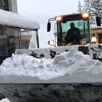 Schneeräumung am Bauhof mit Lader 509