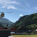 Hubschraubertransport Grüne Ring-Röhre auf den Rüfikopf