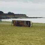 Autocar arrivé sur la plage