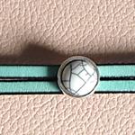 bracelet en cuir avec cabochon ; bracelet cuir élégant ; noces de cuir