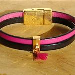 Bracelet rose et noir ; bracelet à pompon ; bracelet cuir fait-main ; cadeau en cuir