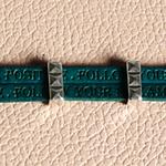 Bracelet cuir avec message gravé ; bracelet Follow your dream ; Noces de cuir 2 ans