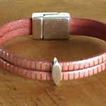 Bracelet rose poudré en cuir ; bracelet cuir rose et argent ; noces 2 ans cadeau en cuir