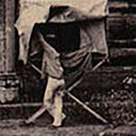 Émile Gsell devant son laboratoire mobile de développement.