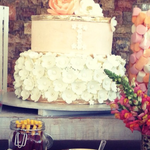 Pastel para boda de fondant con fresas