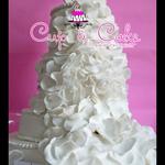 Pastel para boda de fondant petalos blanco